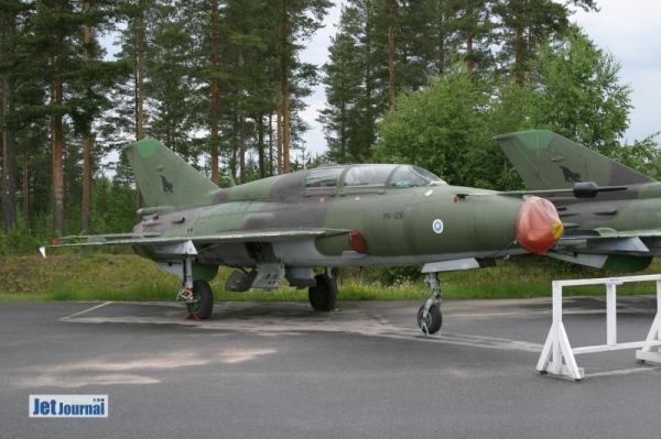 ...MK-126 MiG-21UM,...